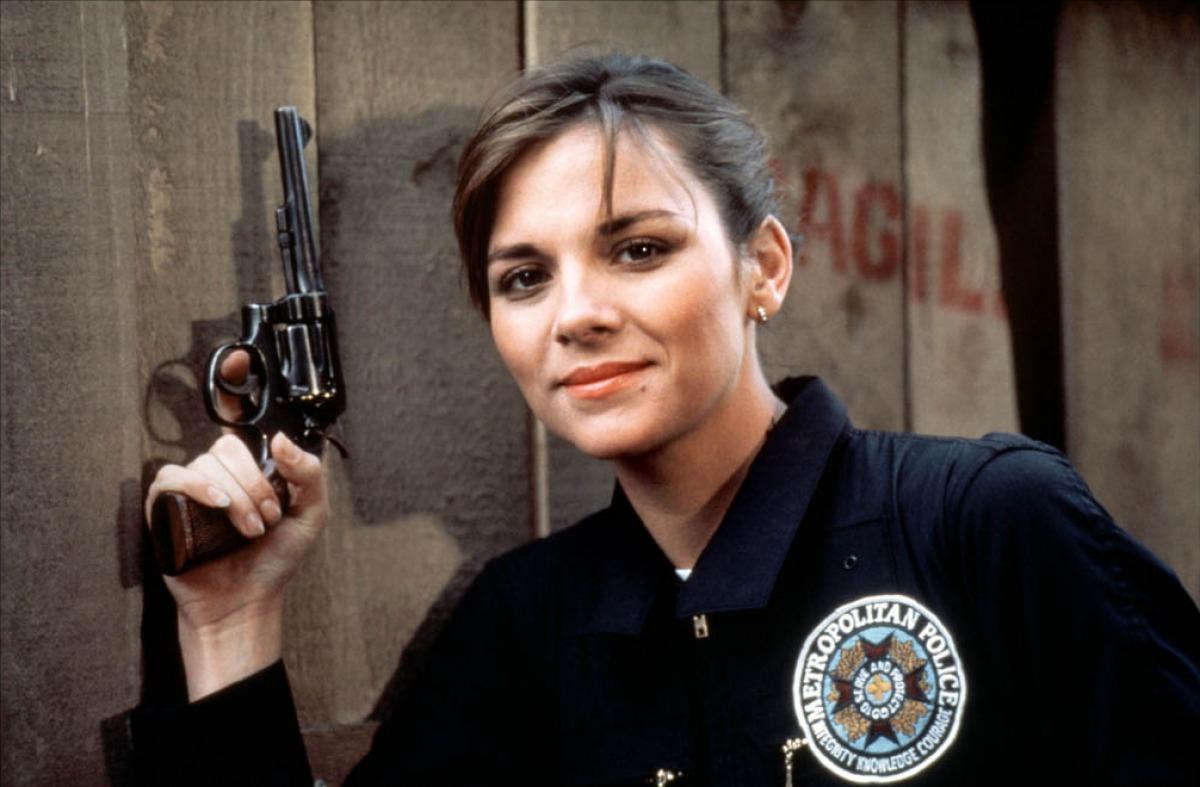http://2.bp.blogspot.com/-mg4kHqIo8QI/T-tQpQk3zMI/AAAAAAAAD-M/8fSFMRQuCyc/s1600/police-academy-1984-03-g.jpg