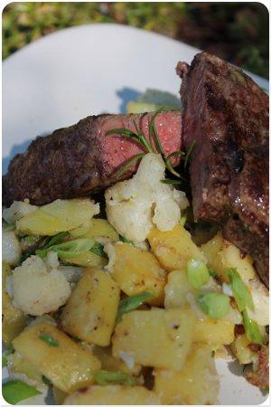 Köstliches Steak mit Gemüse-Allerlei und Würziger Apfelkuchen