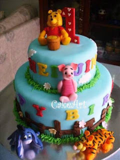 Ide unik kue ulang tahun pertama anak tema winie the pooh