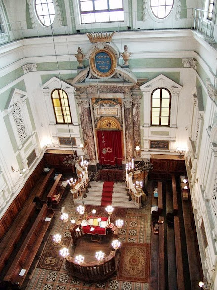 The main room of Siena's synagogue