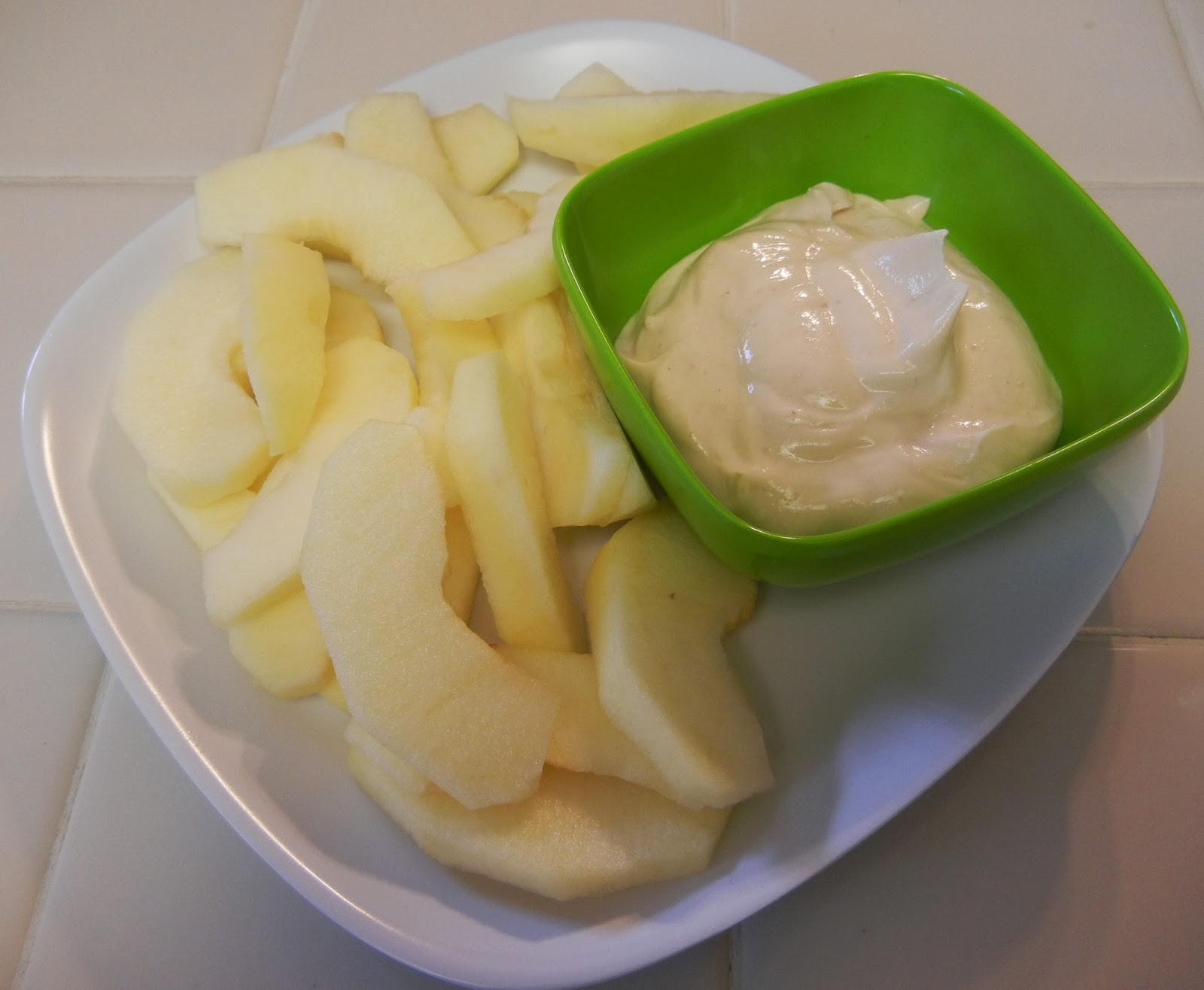 Sliced+Honeycrisp+Apple+Greek+Yogurt+Powdered+Peanut+Butter+Dip Weight Loss Recipes A day in my pouch