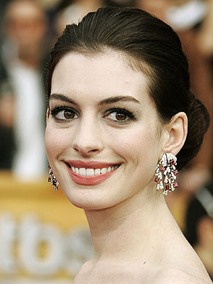 Anne Hathaway Nose Job Before and After – Celebrity ...