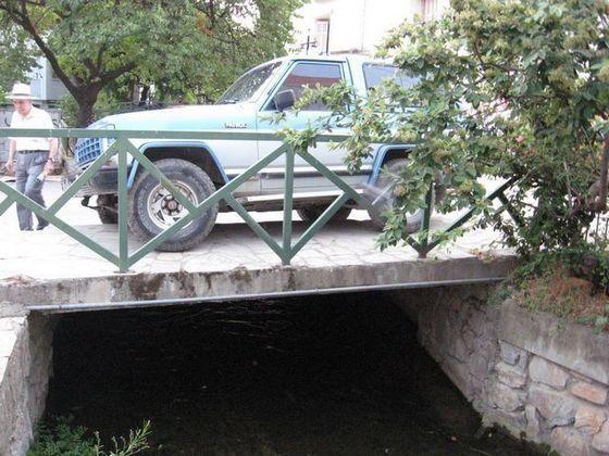 Πού πας παππού; Οι γέφυρες είναι για τα τζιπάκια