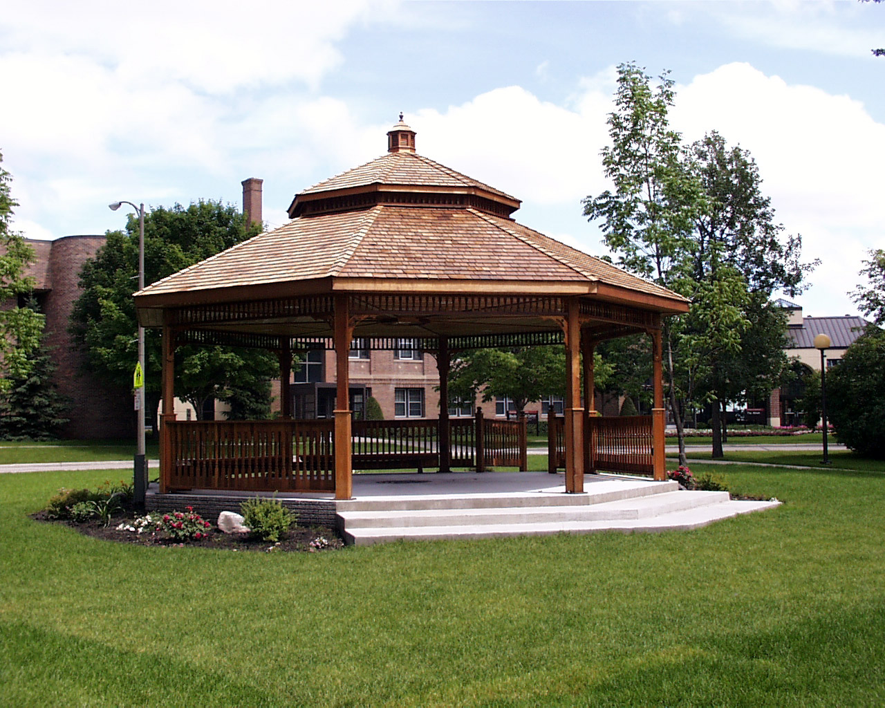 How to create a comfortable gazebo at home home garden for Pavilion style home designs