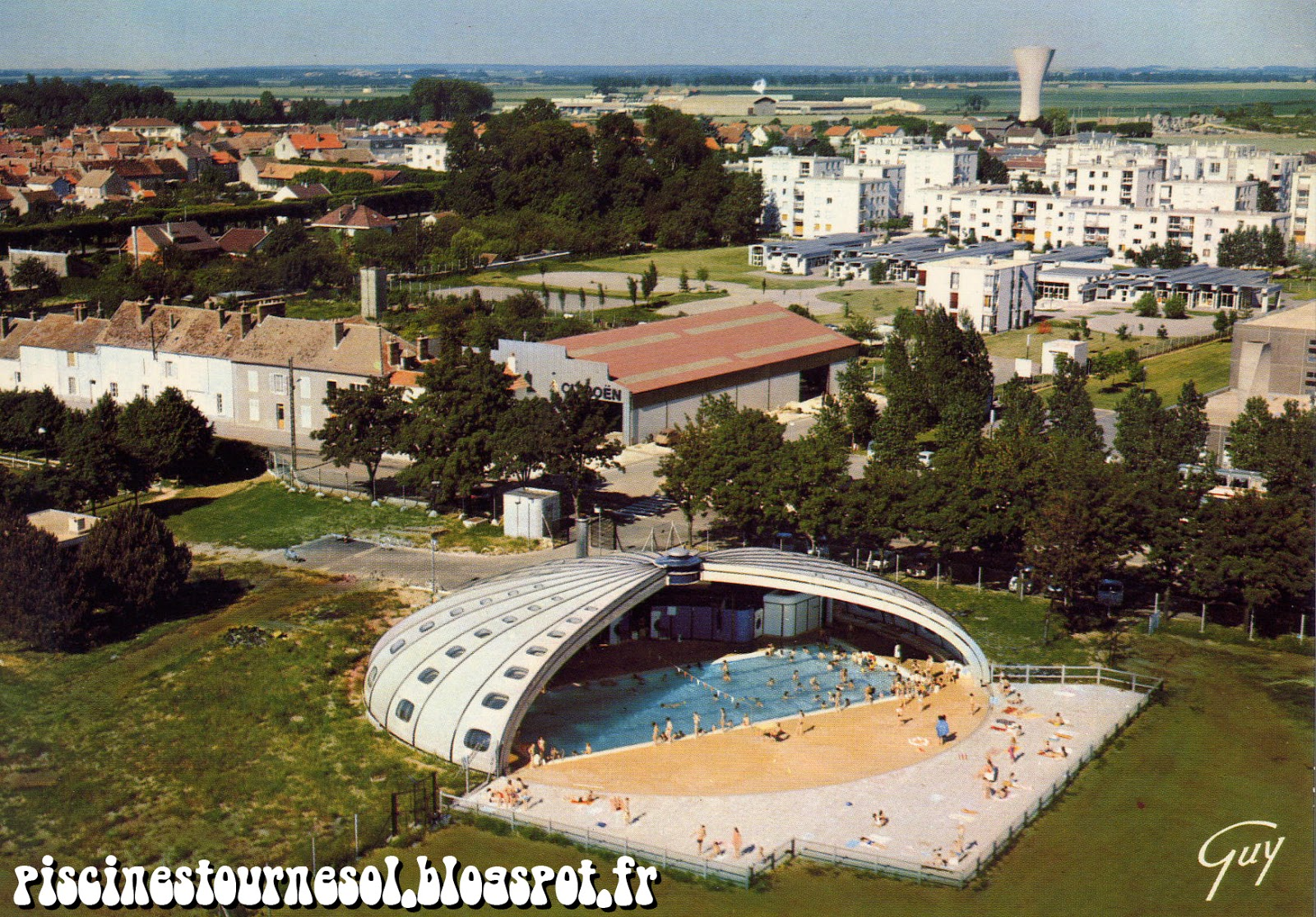 Piscines tournesol avril 2013 for Chatelaillon piscine