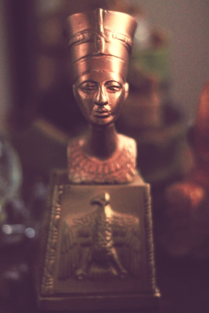 Nefertiti bust copy. Photo by Julienne M.