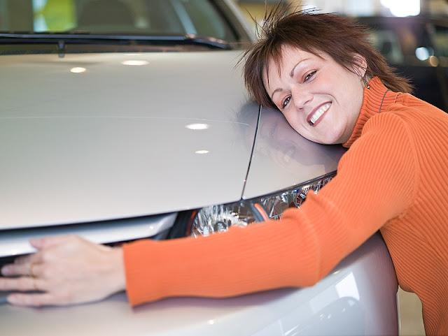 Las mujeres aman más los autos