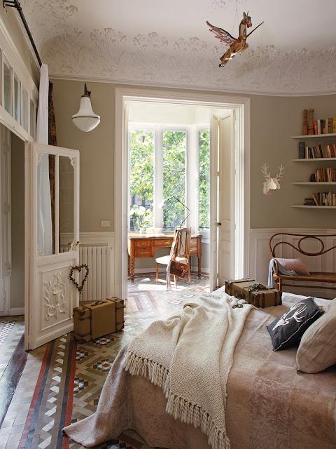 Wyjątkowa aranżacja przytulnej sypialni