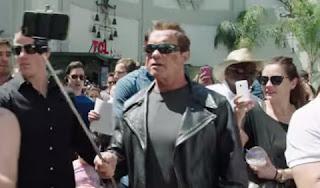 Arnold Schwarzenegger se disfrazó de Terminator y salió a la calle para promocionar la nueva película. Video viral