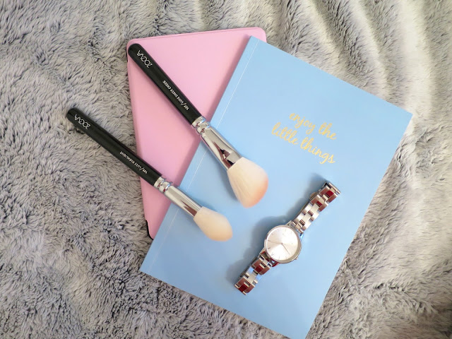 What I Got For Christmas Presents 2015  olivia burton watch zoeva face make up brush set kindle case chroma stationery note book