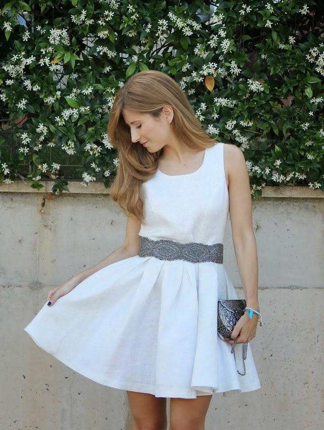 Zapatos para vestido blanco corto de novia