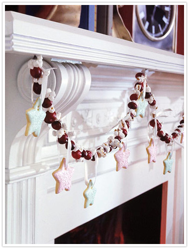 cranberry popcorn and cookie garland