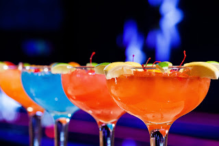 7 kids and us get your party on at kings bowl orlando off for Restaurants with fish bowl drinks near me