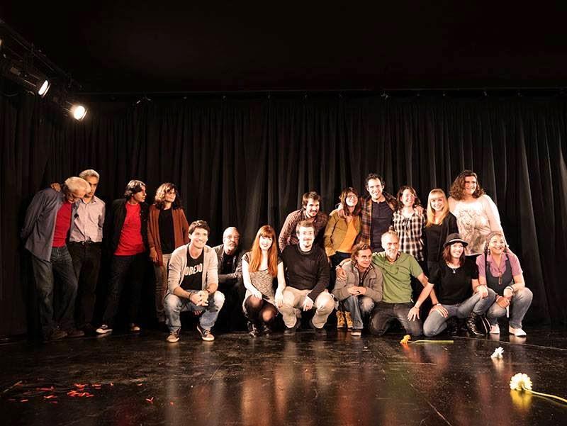 (pinchad en la foto)Elenco: Presentación de: Chispas Literarias en Madrid