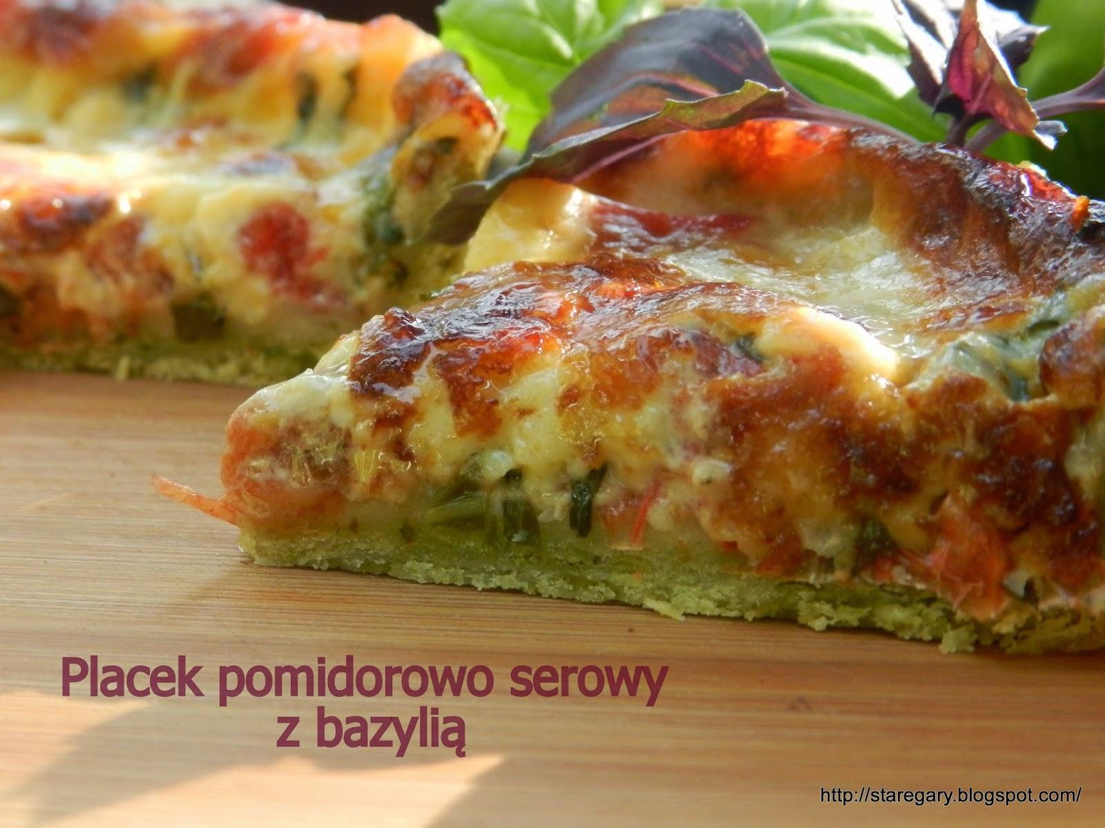Placek pomidorowo serowy z bazylią