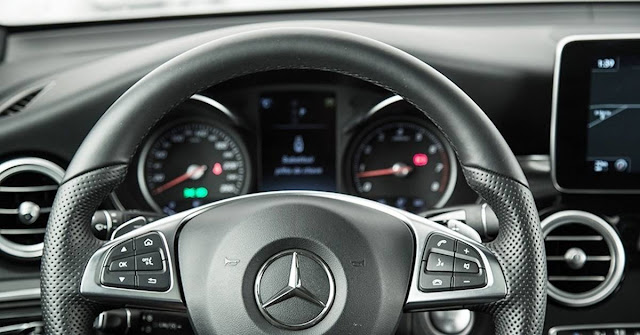 Mercedes GLC 2016 - interior