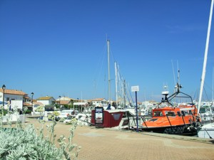Disabled Holidays in Les Saintes Maries de la Mer Marina Path Wheelchair Access