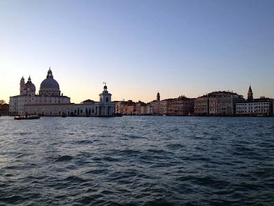 vvibrantsunset.blogspot.co.uk-Beautiful Venice on Water