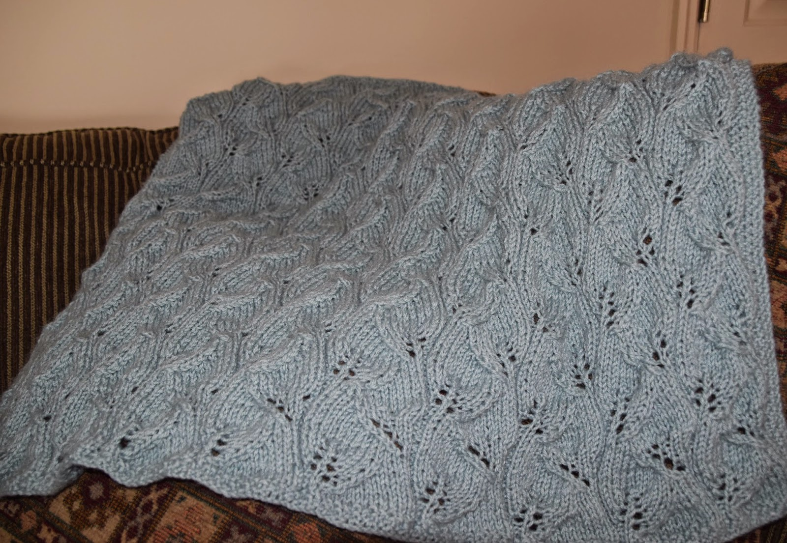 Nonna Rose Creates and Cooks: Baby Leaf Blanket is Complete