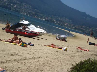 Beach of Cesantes in Ria de Vigo