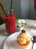 Suc i cupcake. Cafeteria l'Exquisit. Girona. Gastronomia.
