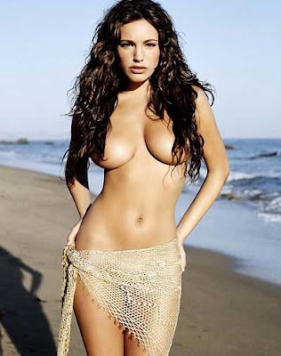 Kelly Brook5-Artis