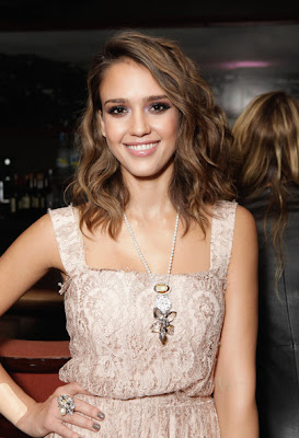 Jessica Alba Long Wavy Cut Hairstyle Lookbook