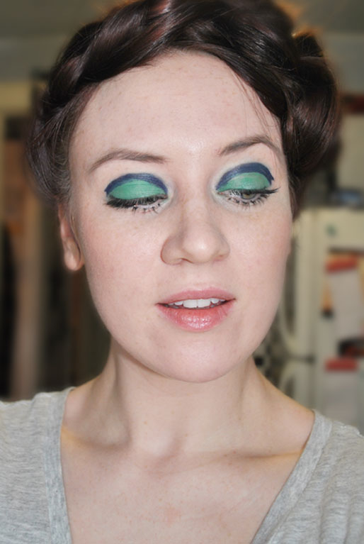 mollie booth parks, beauty blogger, sixties inspired makeup, blue and green eyes, graphic crease eyeshadow