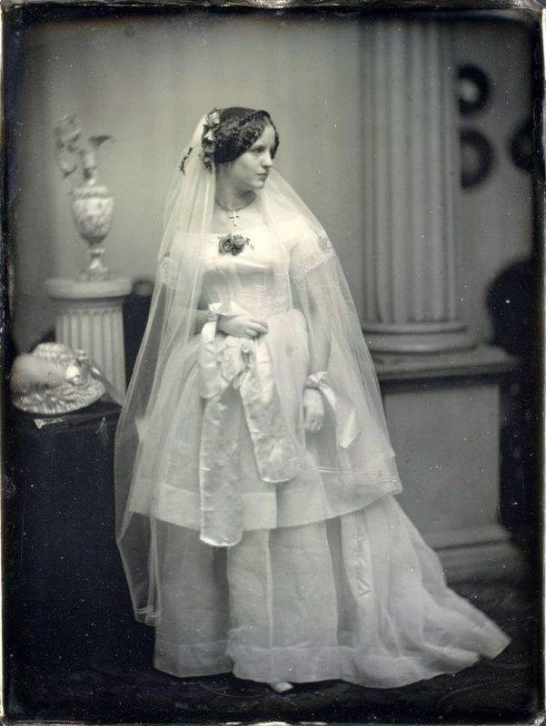 Victorian wedding dresses 27 stunning vintage photos of brides 1850s bride junglespirit Choice Image