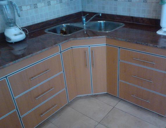 Mobilack mueble de cocina con bacha esquinera for Mesa de cocina esquinera