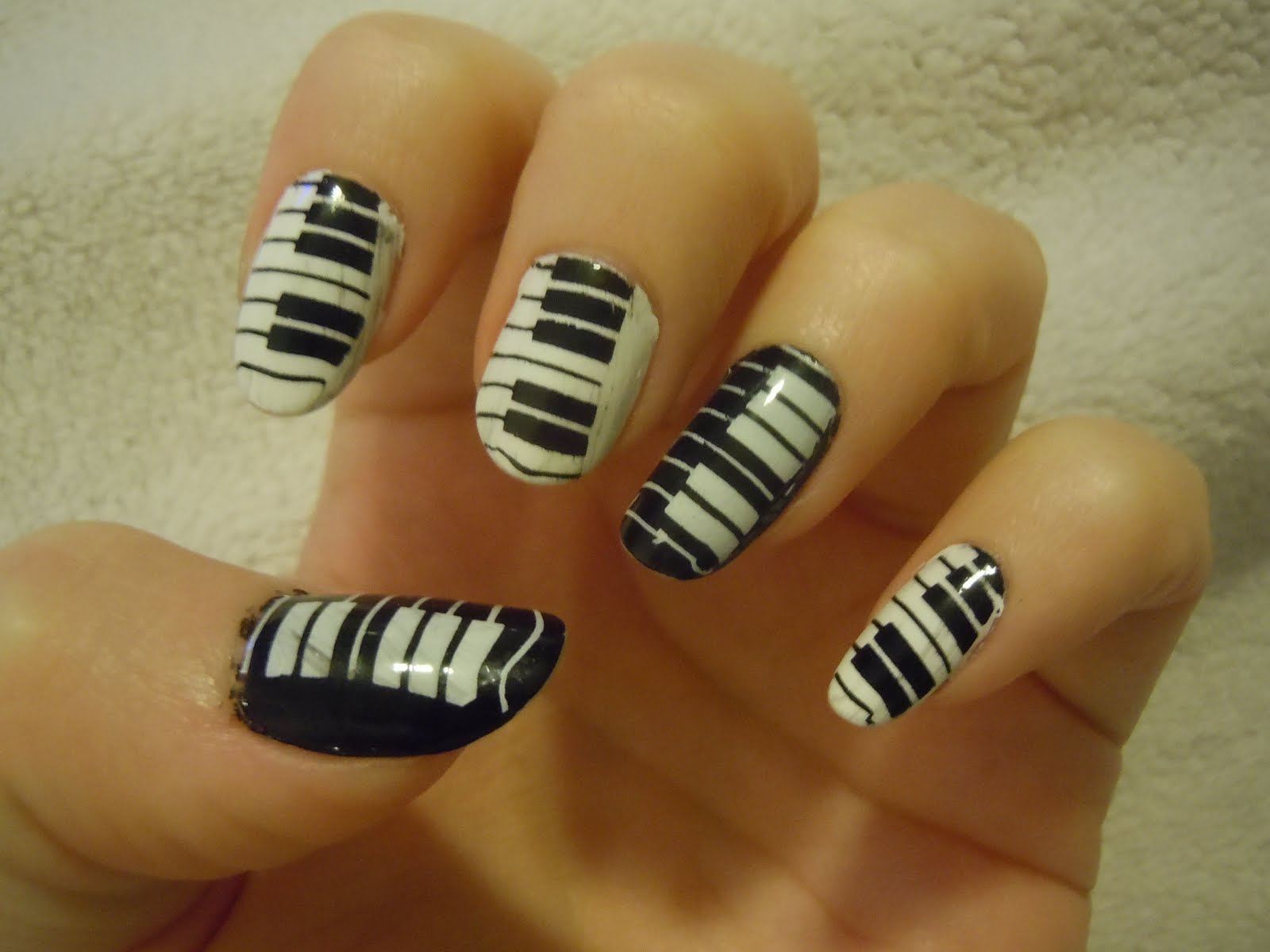 Bevys Nails August 2011