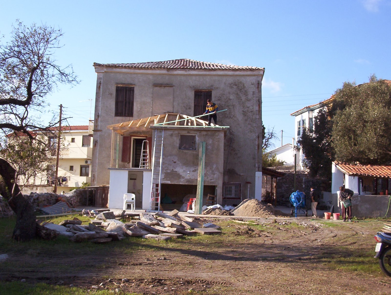 Returning Home to Greece: Decorating Greek Shabby-Chic