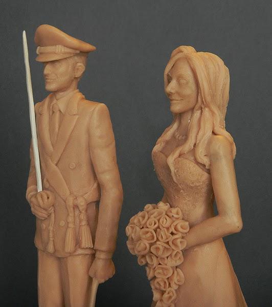 cake topper personalizzato artiguanale statuette sposini orme magiche