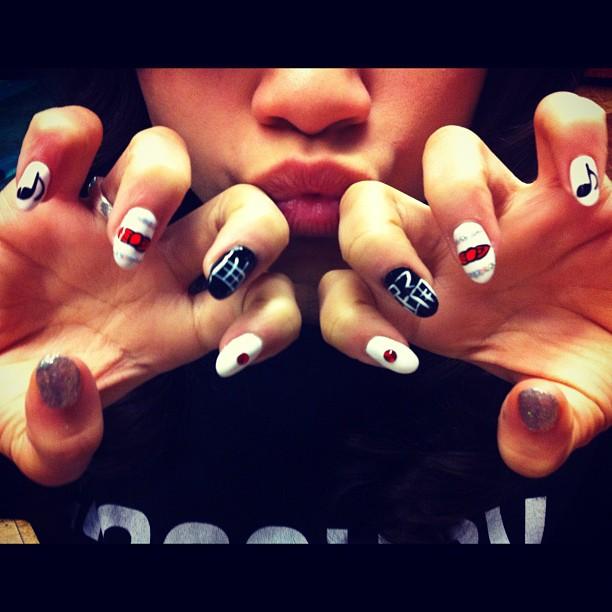 Sweet Girl zZendaya Nails 2012