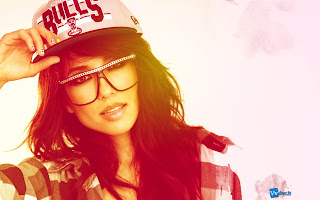 Beautiful Girl with Chicago Bulls Hat HD Wallpaper