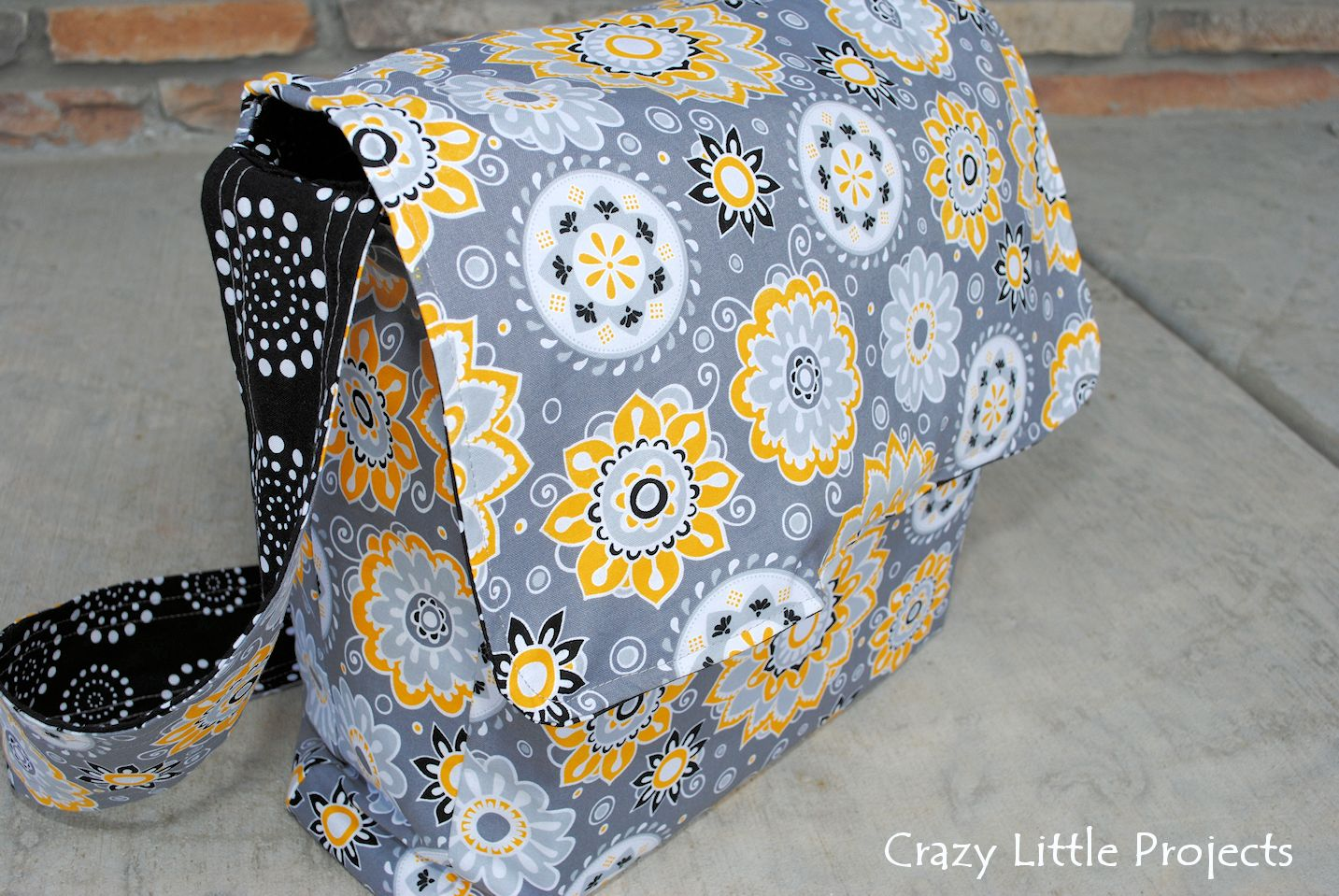 Patterns For Bags : Messenger Bag Tutorial and Pattern