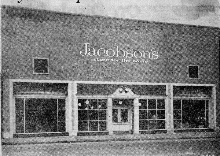 The department store museum jacobson stores inc for Department stores that sell furniture