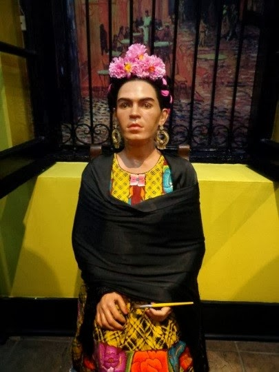 redesigning reality frida kahlo and vincent van gogh In the fevered '80s, frida kahlo's posthumous performance in the auction pit   real estate: what a $300k house looks like in every state  that doesn't mean  kahlo isn't a feminist equivalent of vincent van gogh it rather.