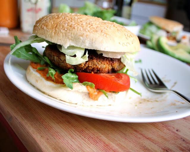 Oppskrift Vegansk Grillburger Kjøttfri Grillmat Burger Bønneburger Kikerter