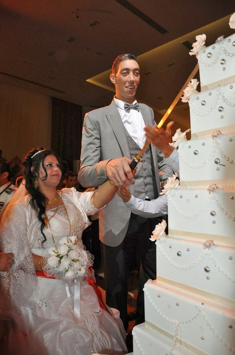 The tallest man in the world got married