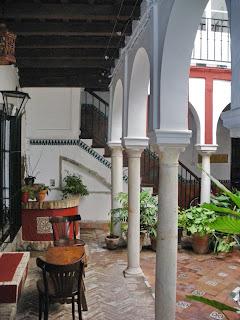 Patio en calle Pimienta de Sevilla