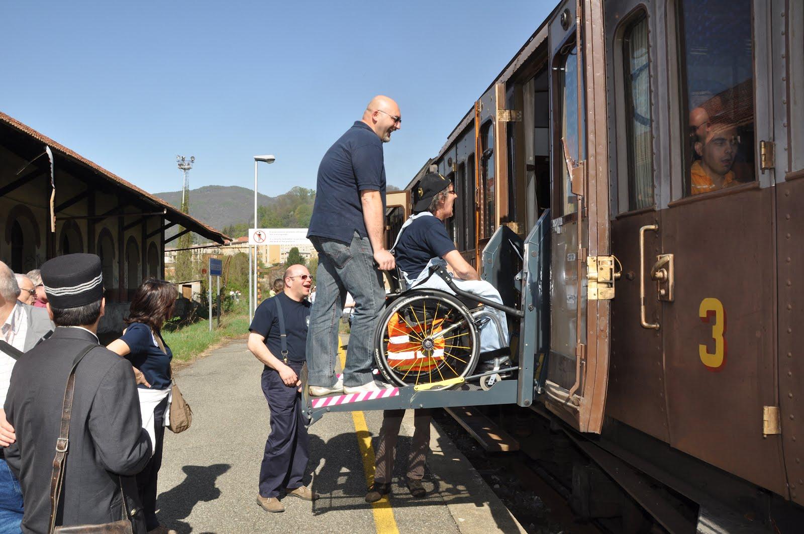 CLICK HERE UNDER'-Treni speciali trasporto malati verso Lourdes'