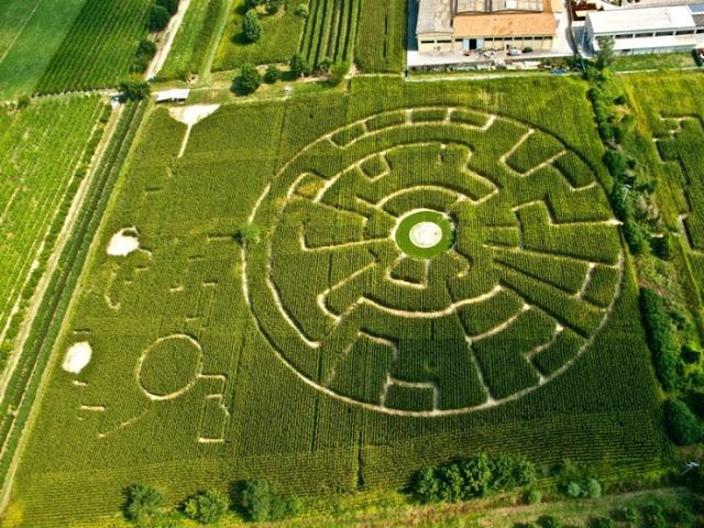 Il labirinto effimero di Galassi