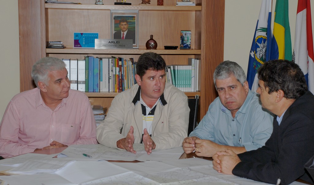 Prefeito Arlei fala sobre os procedimentos a serem tomados  pelos quatro municípios
