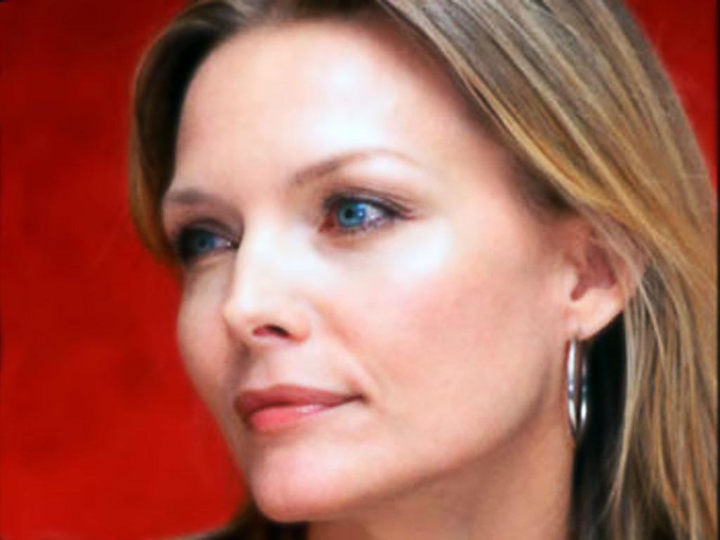 http://2.bp.blogspot.com/-mmoyQXwaXzY/TaSjN2EAXNI/AAAAAAAAI2Y/3-651J2QoUs/s1600/Michelle+Pfeiffer10.jpg