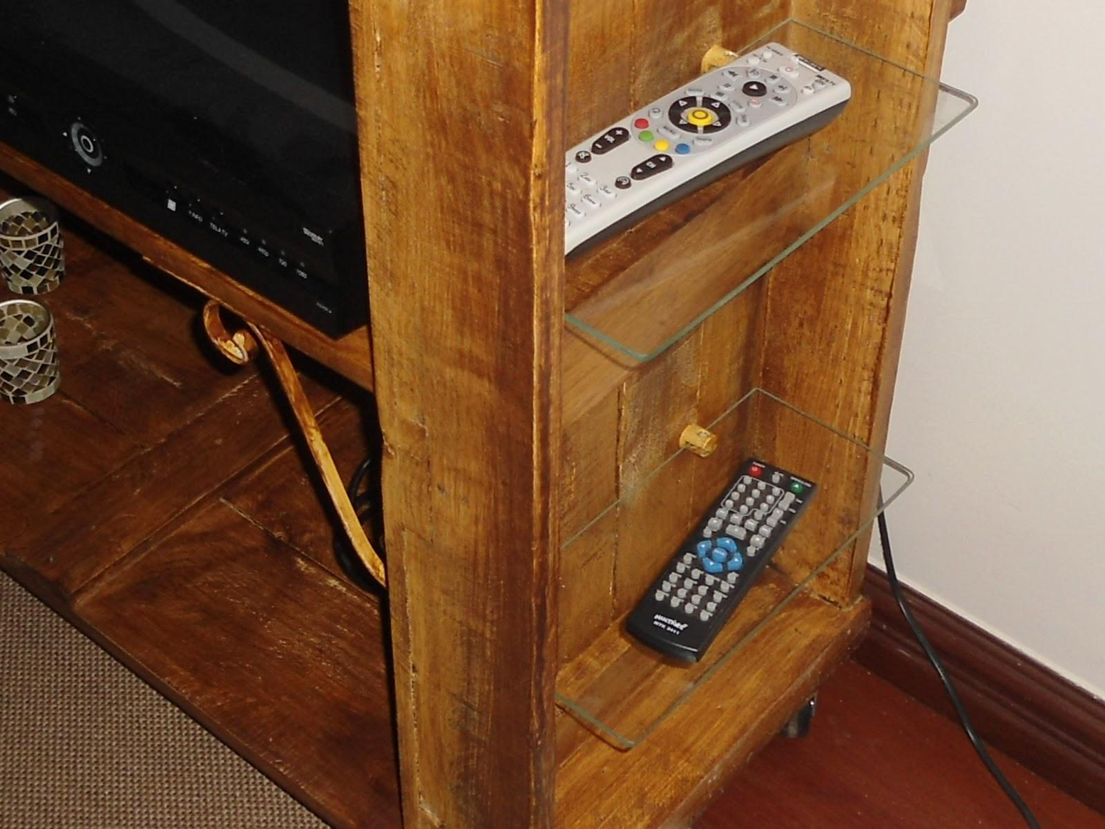 Reciclagens: CONSTRUINDO UM RACK PARA TV COM RESTOS DE PALLETS #B49017 1600x1200