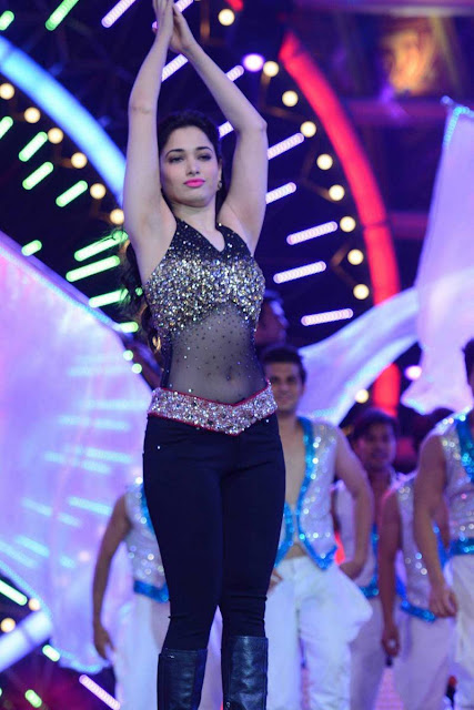 Tamanna Dancing Stills At IIFA Utsavam Awards 2016