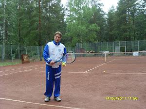 Tennisopettaja Olavi Lehto