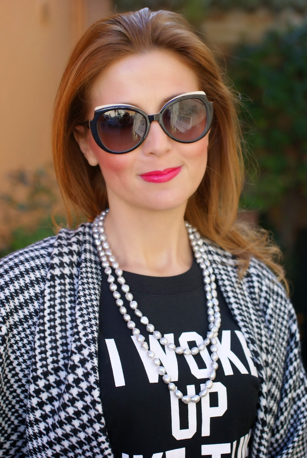 Pearls & Clasp necklace, Mac Viva Glam Miley lipstick on Fashion and Cookies fashion blog