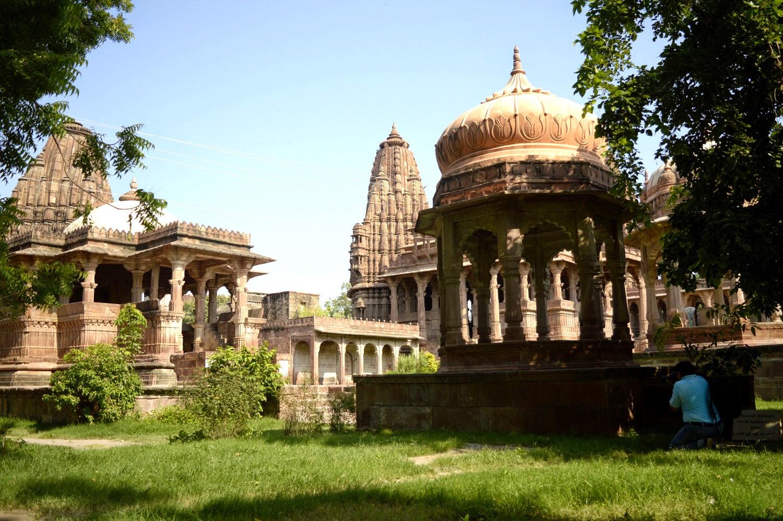 mandor garden and temple